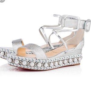 ❤FINAL PRICE DROP❤ Louboutin chocazeppa sandals
